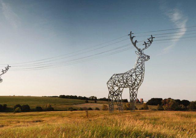 Los postes eléctricos más originales del mundo